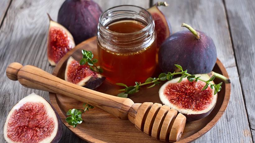 Инжир залить оливковым маслом